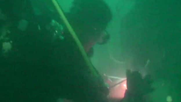 AirAsia Recovery Diver Poor Visibility