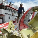 Recovery of Plane Tail no Black Box - AirAsia